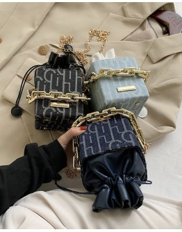 MINI CHAIN BUCKET BAG