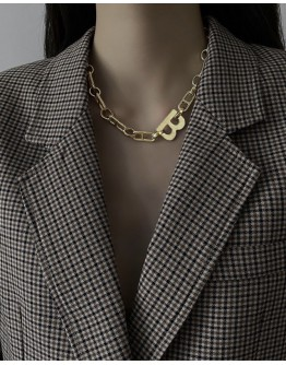 FREE SHIPPING METAL B CHAIN NECKLACE