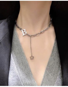 FREE SHIPPING LADIES STAR CHAIN B NECKLACE