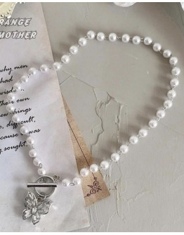 FREE SHIPPING FAUX PEARL BUTTERFLY NECKLACE