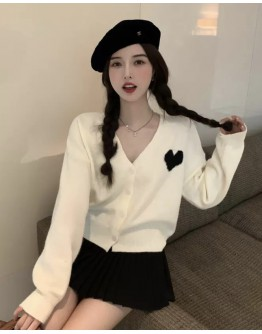 FREE SHIPPING LOVE HEART KNITTED JACKET / PLEATED SKIRT