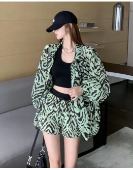 FREE SHIPPING LADIES OVER-SIZE GREEN JACKET + GREEN ELASTIC SHORTS