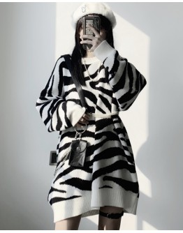 LADIES ZEBRA-STRIPE KNITTED SWEATER