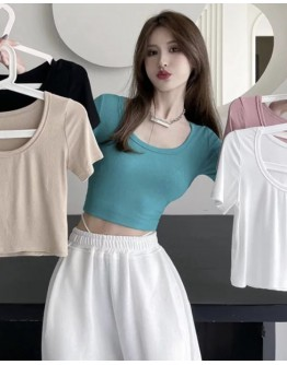 9.9 KNITTED SHORT FITTED TOPS